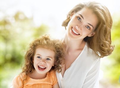 Называя ребенка именем в честь папы или мамы, близкого друга или умершего человека, помните – Вы программируете его на проживание чужой судьбы.