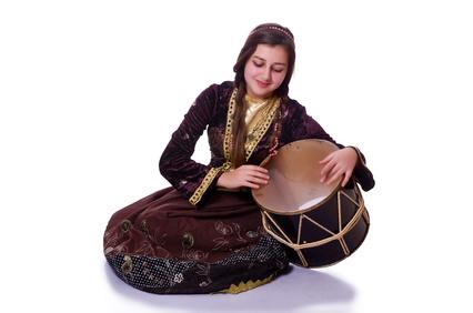 Древние азербайджанские имена появились еще до нашей эры. Они имеют тюркские корни. Какими именами называют детей в современном Азербайджане?