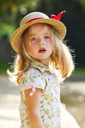 Горделивый характер ребенка, родившегося в августе, предполагает, что и мя его должно быть достойным своего носителя. Как называть детей августа?