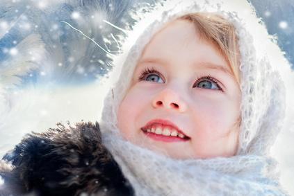 Честных, прямолинейных и вспыльчивых детей, родившихся в декабре, желательно называть мягкими, певучими именами, чтобы несколько утихомирить их нрав.