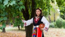 Болгарские фамилии – понятие молодое. Их формирование завершилось в середине прошлого века. Как образовались эти фамилии и как они толкуются?