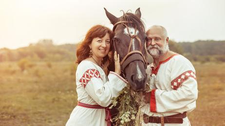 Фамилия Дмитриев образована от канонического имени и относится к старейшим русским наследственным именованиям. Каково ее толкование и след в истории?