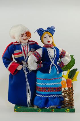У фамилии Казаков древнее происхождение и интересная история. Какие факторы могли оказать влияние на появление этой фамилии среди разных народов?